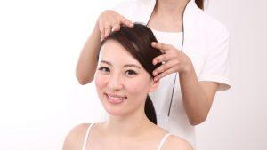 頭皮マッサージは便秘解消にも効果的?便秘に効く頭のツボ